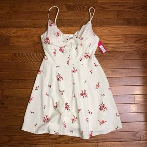 Adorable target Sundress new with tags!!